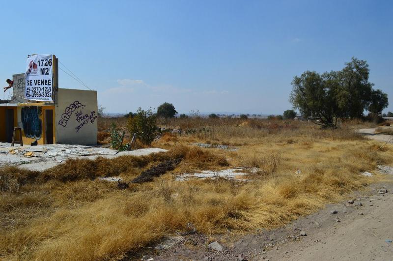 Foto Terreno en Venta en  Vista Hermosa (De Ozumbilla),  Tecámac  Terreno a pie de carretera