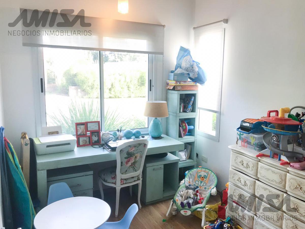 Foto Casa en Venta en  Aldea Fisherton,  Rosario  Country aldea tenis