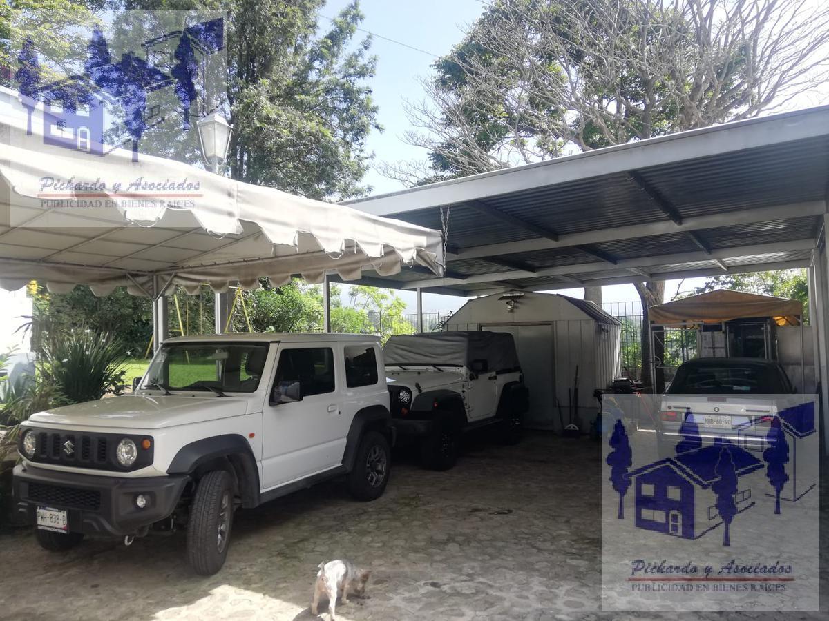 Foto Casa en Venta en  Fraccionamiento Lomas de Atzingo,  Cuernavaca  Casa de un nivel con 3 recamaras