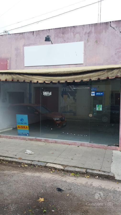 Foto Local en Alquiler en  Carmelo ,  Colonia  Roosevelt casi 19 de abril