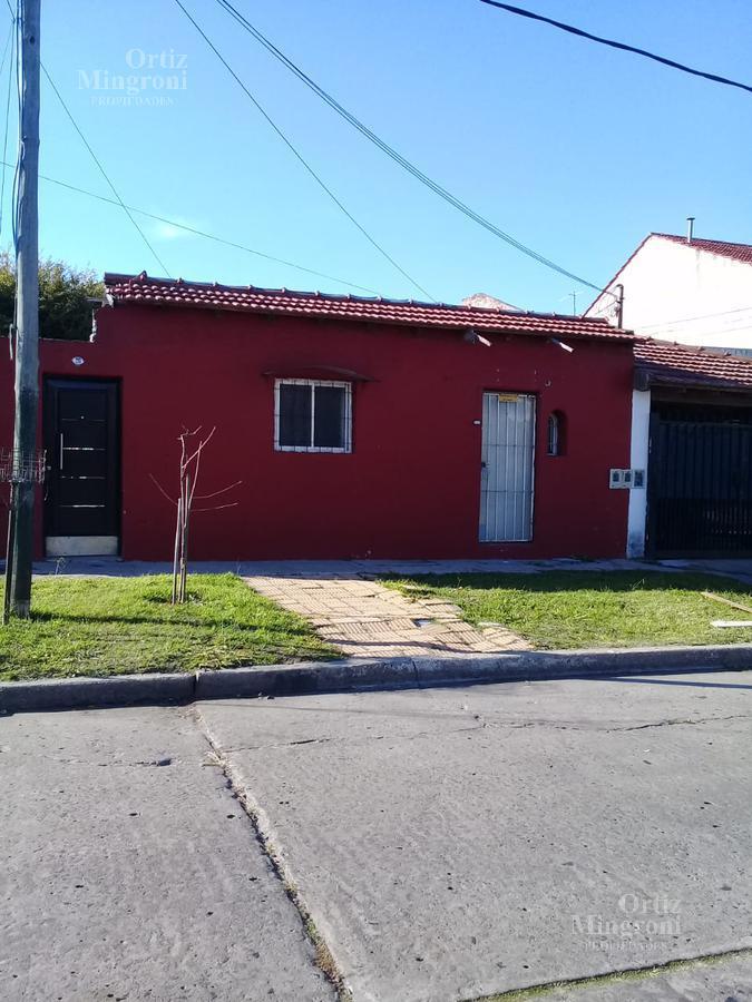 Foto PH en Alquiler en  Lomas De Zamora,  Lomas De Zamora  Discepolo 26