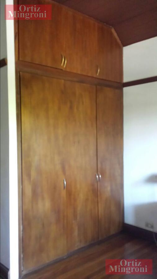 Foto Casa en Venta en  Temperley Este,  Temperley  Juncal al 100 -Chalet Estilo Ingles-Excelente Ubicacion!