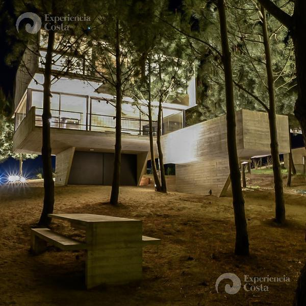 Foto Casa en Alquiler | Alquiler temporario en  Barrio Costa Esmeralda,  Pinamar  Casa al Mar - lote 26