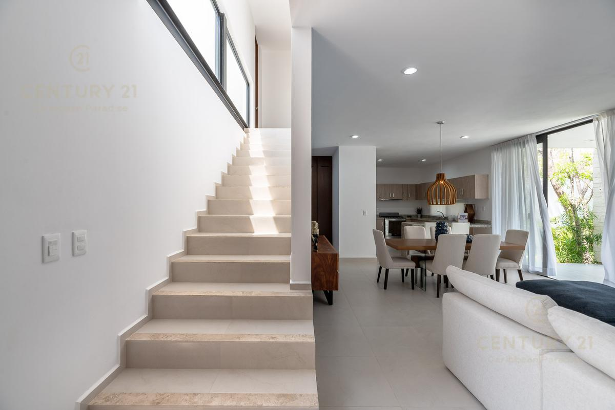 Solidaridad House for Sale scene image 32