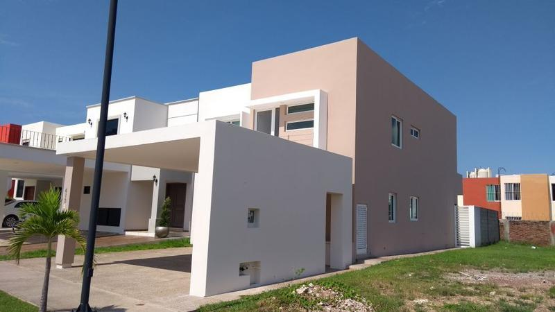 Foto Casa en Venta en  Fraccionamiento Marina Kelly,  Mazatlán  CASA EN VENTA EN MARINA KELLY MAZATLAN
