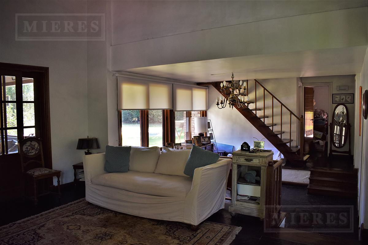 Casa de 300 mts en Los Lagartos C.C.