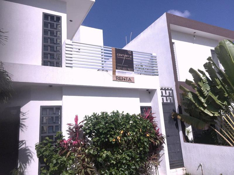 Foto Casa en condominio en Renta en  Bahía Dorada,  Cancún  INMEJORABLE CASA EN RENTA AMOBLADA C2447