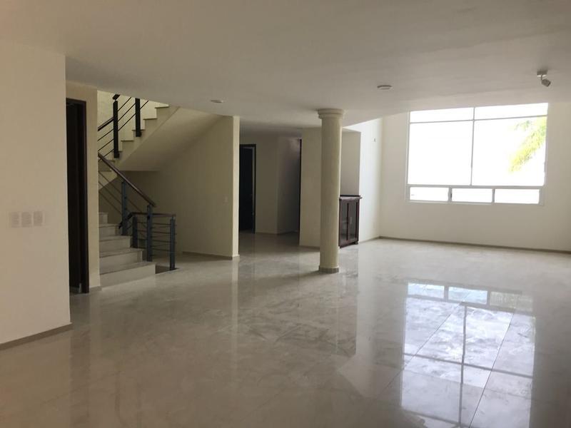 Foto Casa en Renta en  Villas del Campestre,  León          Hermosa casa renta con VISTA en Villas del Campestre!!