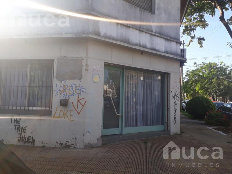 Foto Local en Venta en  Martinez,  San Isidro  Local ideal para Inversión!! Cuyo al 1400 - Martínez