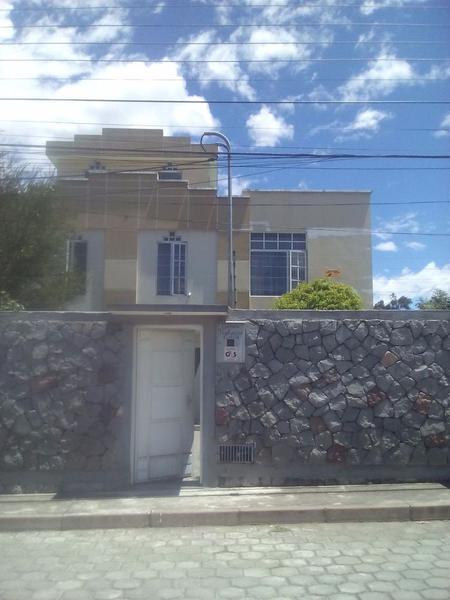 Foto Casa en Venta en  Los Chillos,  Quito  Casa de venta de 3 plantas por el puente 9 La Armenia