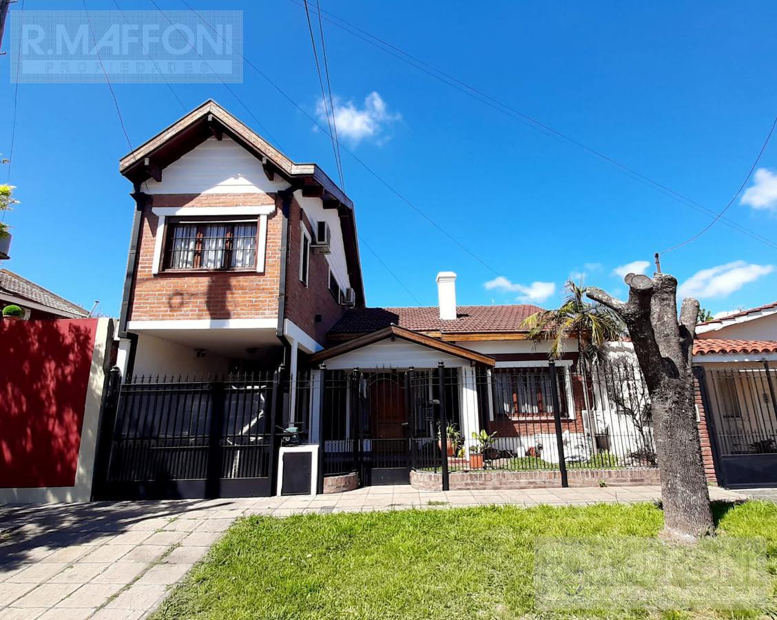Foto Casa en Venta en  Burzaco Este,  Burzaco  Azopardo al 200
