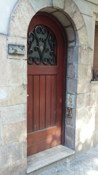 Foto Casa en Alquiler en  Macrocentro,  Rosario  Zeballos al 1900