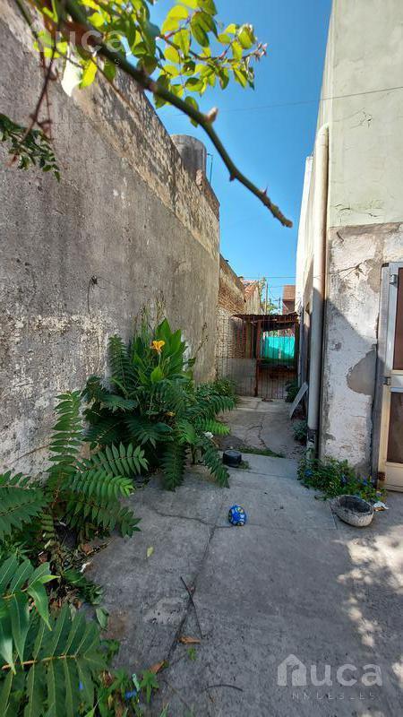 Foto Casa en Venta en  Beccar Alto,  Beccar  Propiedad a reciclar sobre excelente lote de 459m2   Gral. Guido al 800