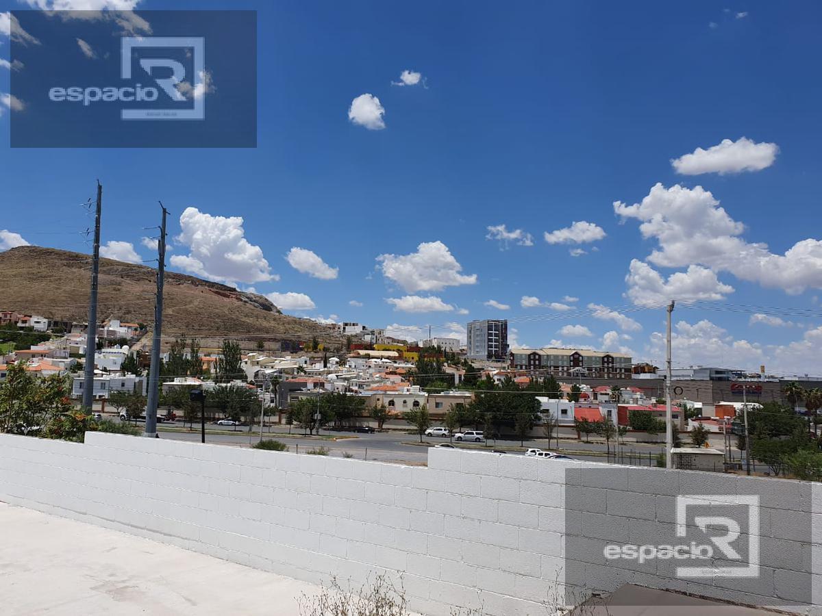 Foto Local en Renta en  Fraccionamiento Las Canteras,  Chihuahua  OFICINA O LOCAL COMERCIAL EN RENTA EN CANTERA
