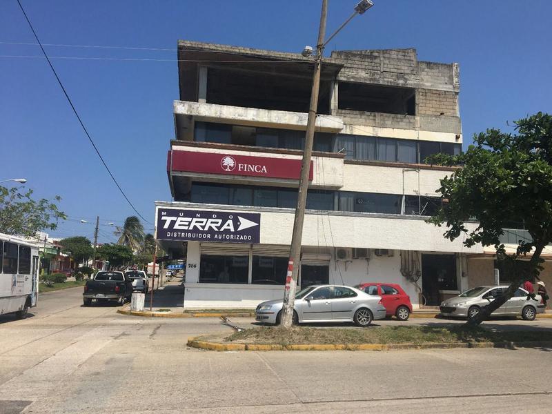 Foto Local en Venta en  Coatzacoalcos Centro,  Coatzacoalcos  Local en Venta Av. Vicente Guerrero, Col. Centro
