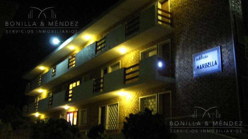 Foto Apartamento en Venta en  Centro,  Piriápolis          Sanabria al 1000 entre Tucuman y  Defensa     con dos garajes incluidos