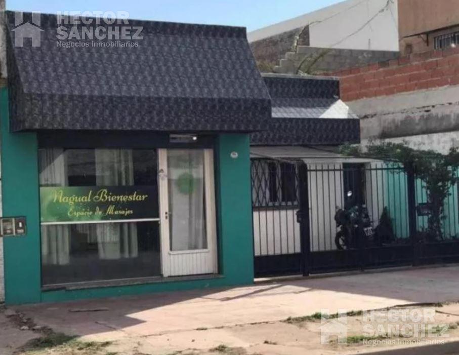 Foto Casa en Venta en  Haedo,  Moron  General Pueyrredon al 600