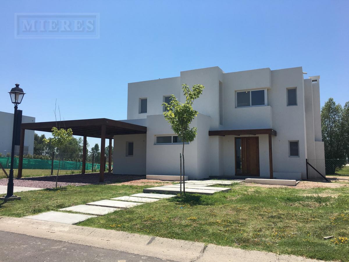 Casa en venta en el barrio San Rafael, Complejo Villanueva