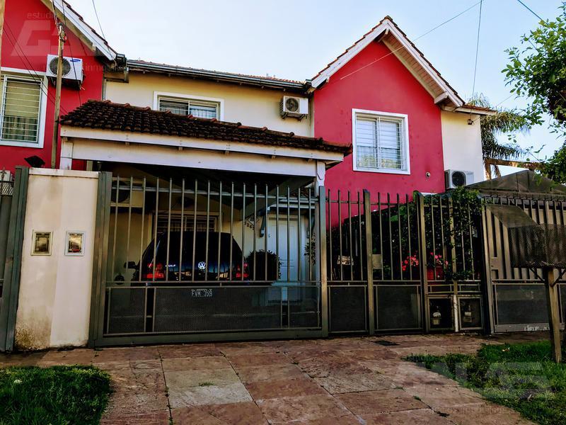 Foto Casa en Venta en  Villa Santos Tesei,  Hurlingham  Carola Lorenzini al 5200