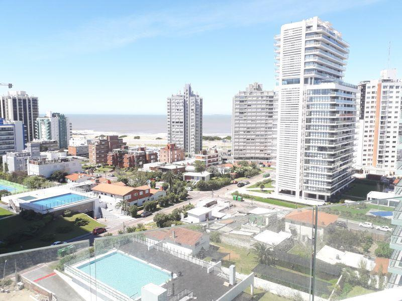Foto Apartamento en Venta en  Punta del Este ,  Maldonado  Av. Chiverta y Av. Francisco Salazar 100