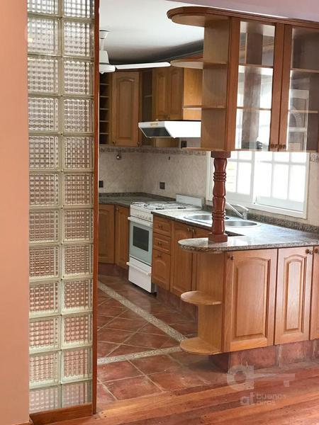 Foto PH en Alquiler temporario en  Villa del Parque ,  Capital Federal  Nazarre al 2900
