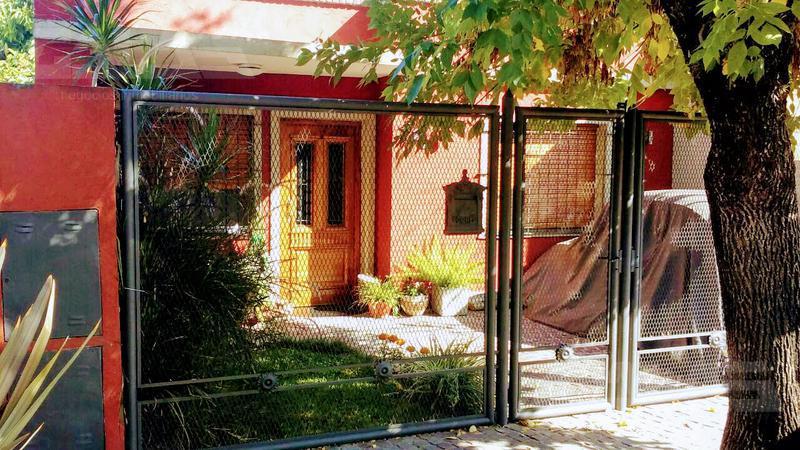Foto Casa en Venta en  Merlo ,  G.B.A. Zona Oeste  Merlo al 100 e/ Cámpora y Garay