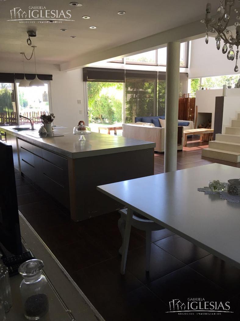 Casa en Alquiler Alquiler temporario en San Isidro Labrador a Alquiler - $ 60.000 Alquiler temporario - $ 100.000 / $ 80.000