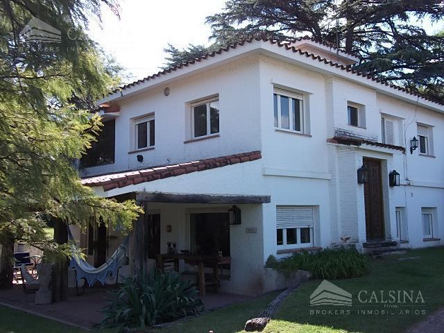 Foto Casa en Venta en  Villa Allende Golf,  Villa Allende  Av Universitaria al 200