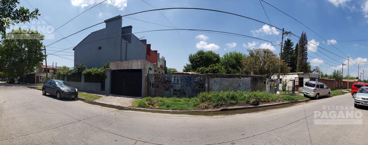 Foto Galpón en Venta en  Villa Elvira,  La Plata  28 e/ 78 y 79