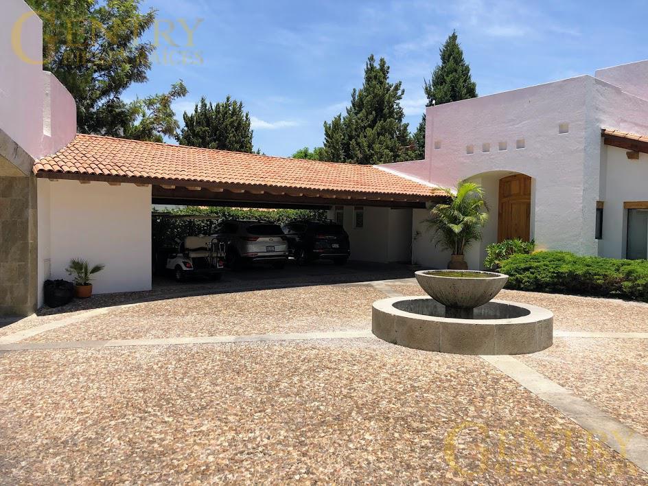 Foto Casa en Venta en  Fraccionamiento El Campanario,  Querétaro  Hermosa Residencia en Venta Con Vista a Campo de golf y  Cañada