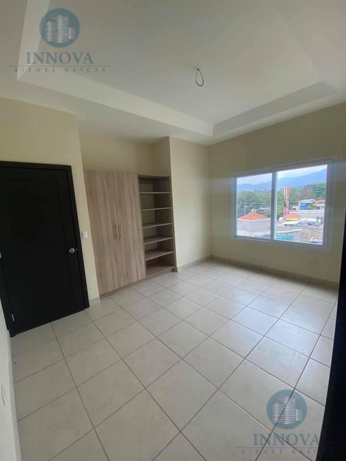 Foto Casa en Venta en  Altos de Miraflores,  Tegucigalpa  Town House En Venta Altos De Miraflores Circuito Cerrado Tegucigalpa