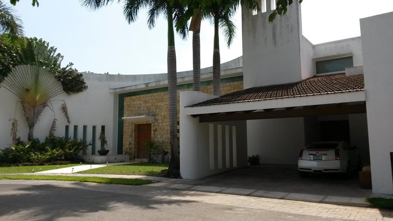Casa de lujo de 2 Plantas en la exclusiva privada Montecristo