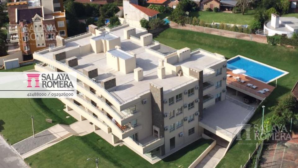 Foto Departamento en Venta en  Playa Mansa,  Punta del Este  Venta Apartamento 1 Dormitorio en Playa Mansa con parrillero propio