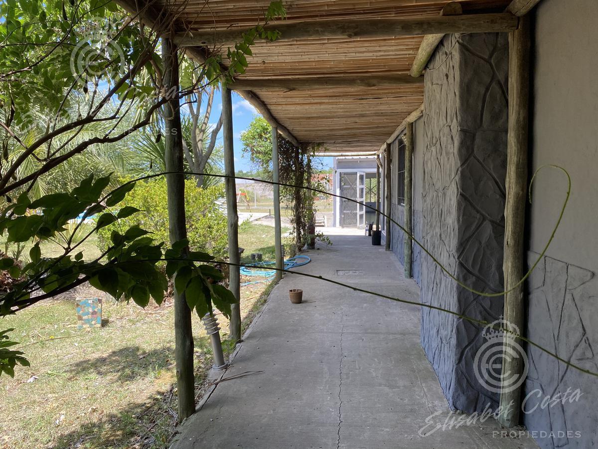 Foto Quinta en Venta en  La Capilla,  Florencio Varela  La capilla