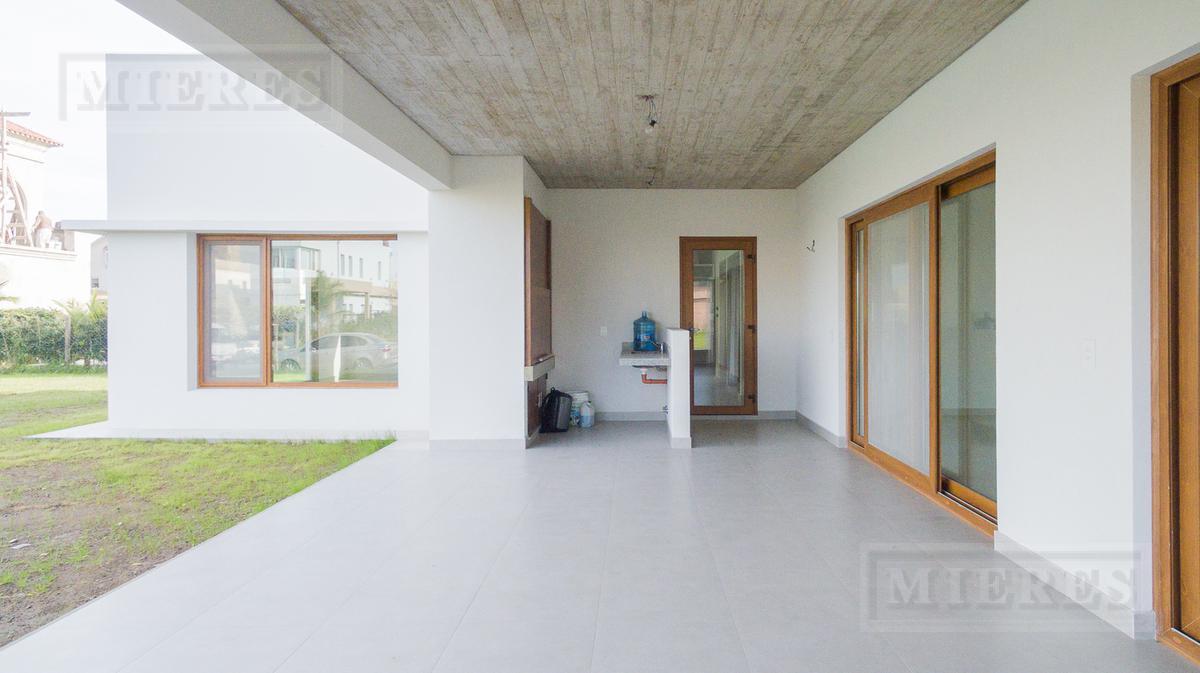 Casa a estrenar en venta en Windbells