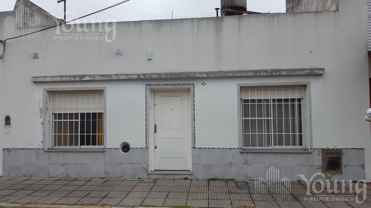 Foto Casa en Venta en  Sarandi,  Avellaneda  Monteagudo 80