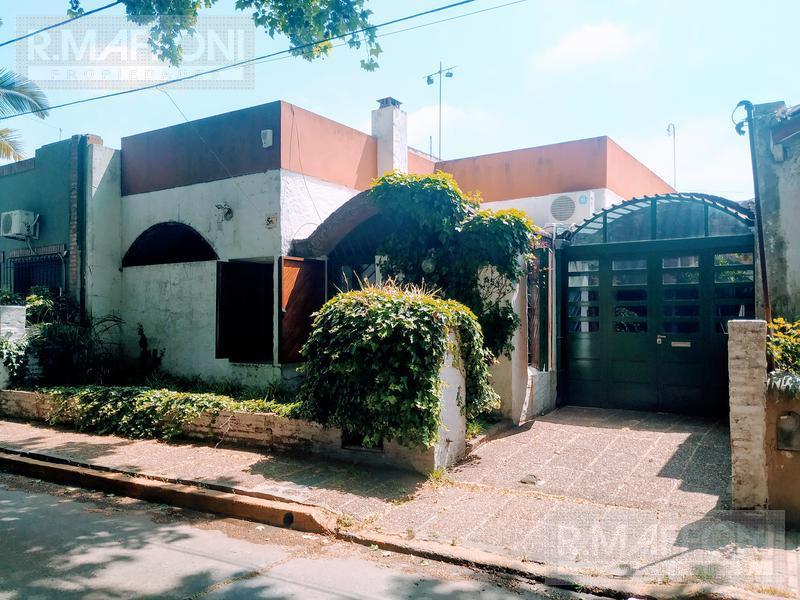Foto Casa en Venta en  Adrogue,  Almirante Brown  J. de la Peña al 600