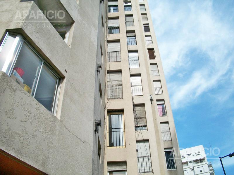 Foto Departamento en Venta |  en  La Plata ,  G.B.A. Zona Sur  12 esquina 54 - Plaza Moreno
