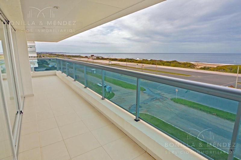 Foto Apartamento en Venta en  Playa Brava,  Punta del Este  Rambla Brava y Parada 6