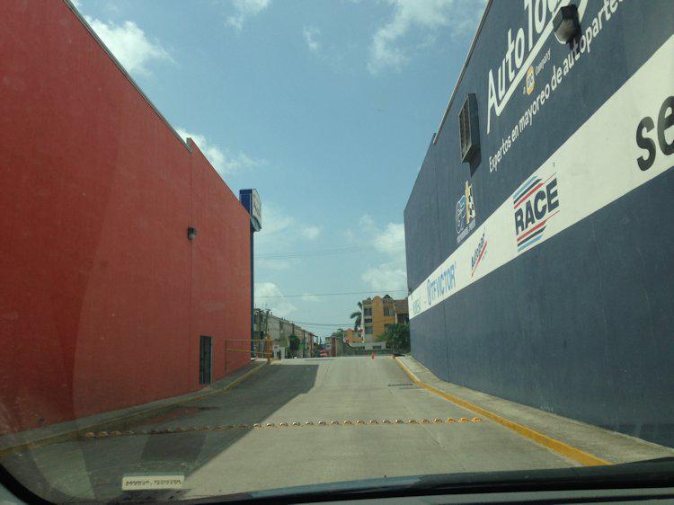 Foto Bodega Industrial en Renta en  Arenal,  Tampico  B-031-3 BODEGA de 1,000m2. EN AV. RIBERA DE CHAMPAYAN TAMPICO TAM.