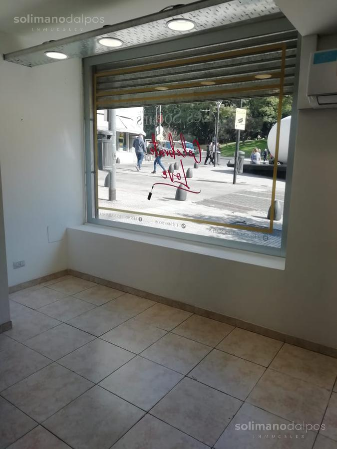 Foto Local en Alquiler en  Retiro,  Centro (Capital Federal)  Av. San Martin al 1100