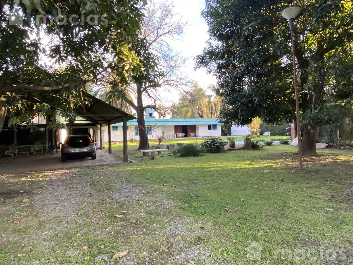 Foto Casa en Venta en  Yerba Buena ,  Tucumán  Salas y valdez