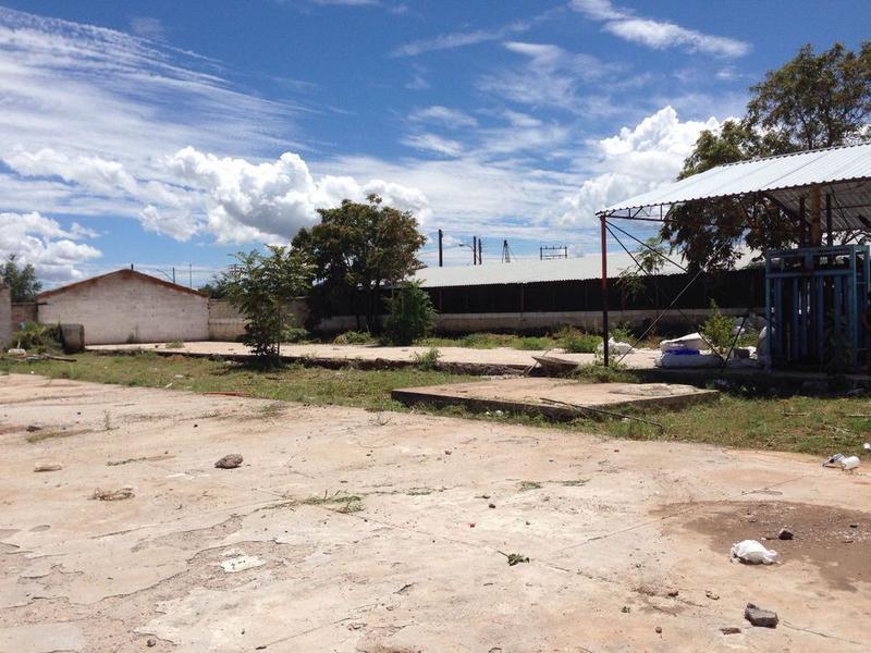 Foto Terreno en Venta en  Aeropuerto,  Chihuahua  VENTA DE TERRENO CON BODEGA EN COLONIA AEROPUERTO
