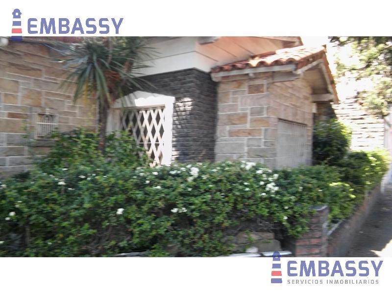 Foto Casa en Venta en  Villa Adelina,  San Isidro  Ucrania al 2200