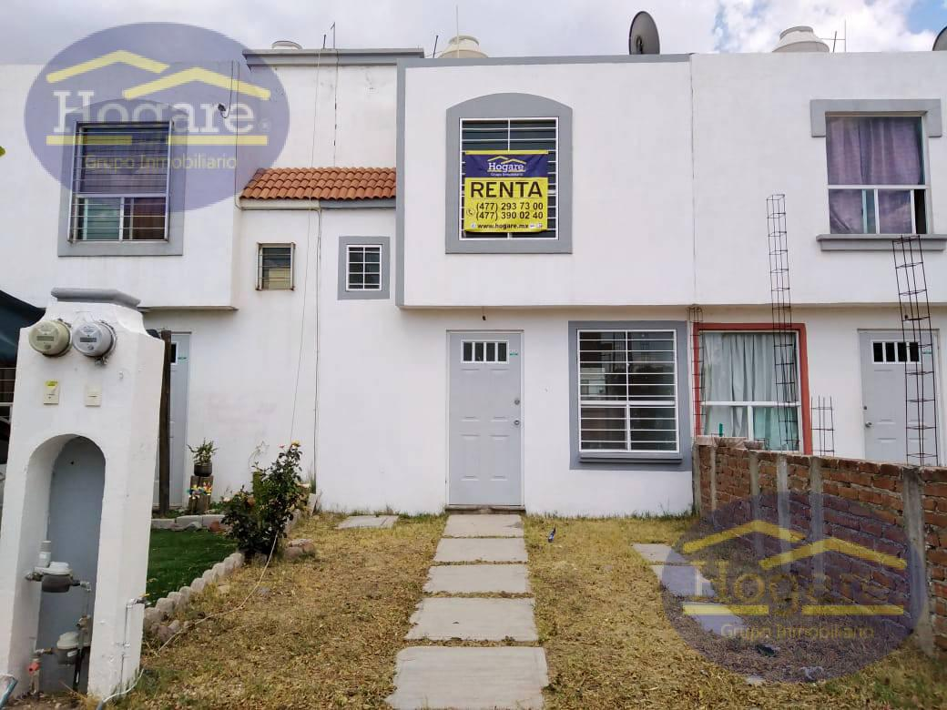 APARTADA! Casa en Renta en Brisas del Pedregal, en privada con alberca, Zona Sur en León, Gto.
