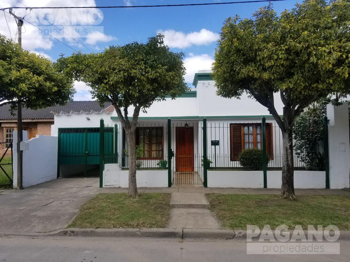 Foto Casa en Venta en  Berisso,  Berisso  39 N° 5135  e/ Montevideo y 174