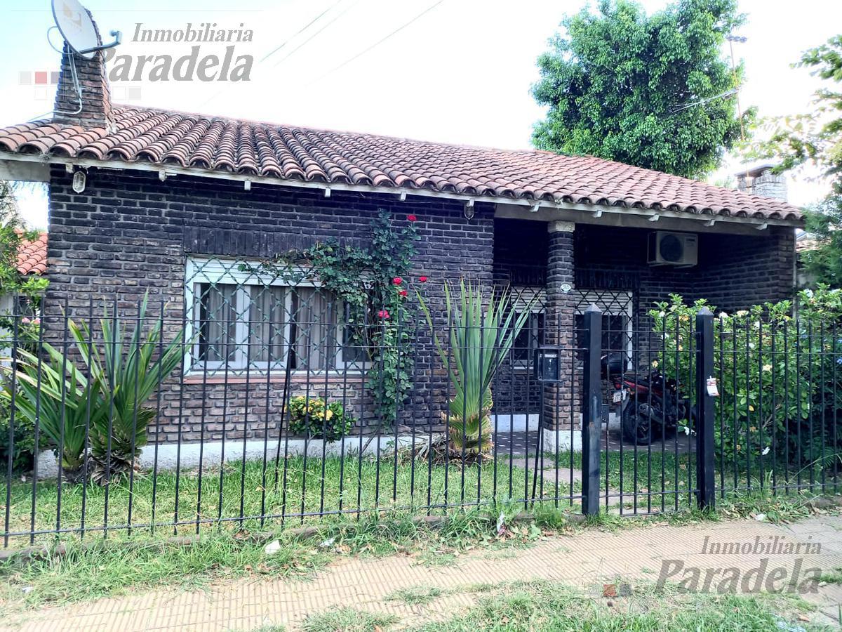 Foto Casa en Venta en  Castelar Norte,  Castelar  Francia al 2800