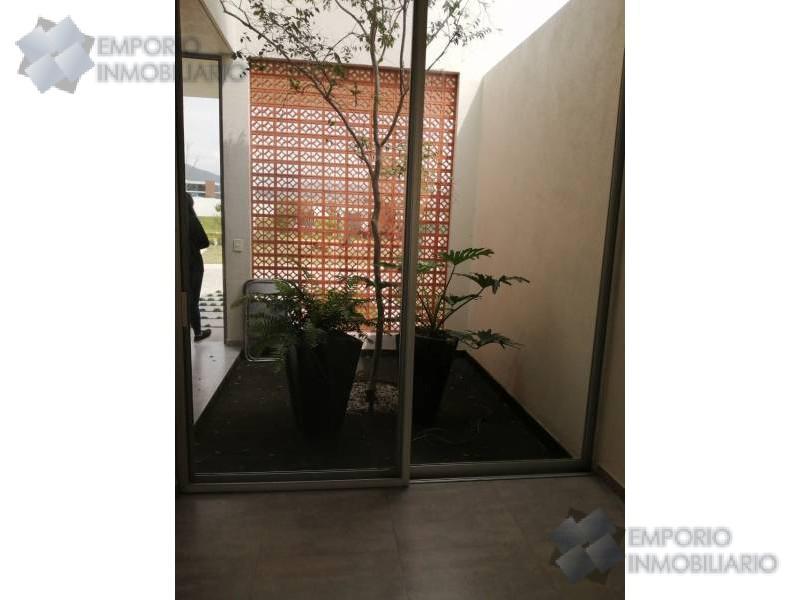 Foto Casa en Renta en  Fraccionamiento El Alcázar (Casa Fuerte),  Tlajomulco de Zúñiga  Casa Renta Casa Fuerte Coto Baluarte $16,500 A257 E2