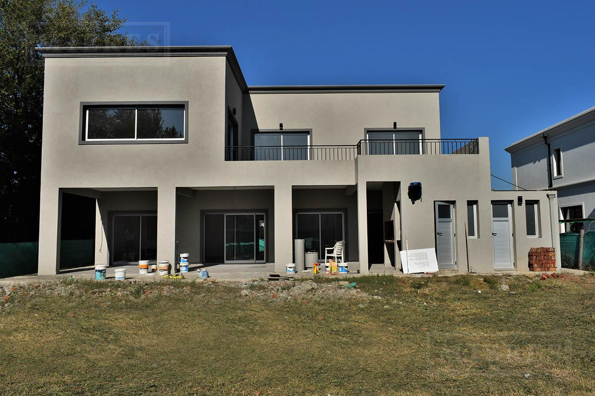 Casa de 321 mts en Las Liebres