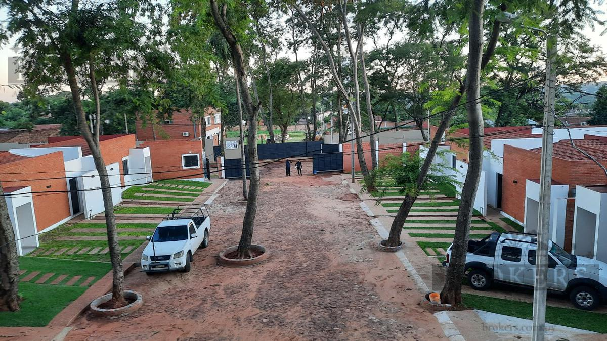 Foto Casa en Venta en  Zona Sur,  Fernando de la Mora  Vendo a estrenar Casa Pareada en barrio cerrado en Fdo zona sur